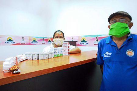 """Farmacia Comunitaria """"Secundino Urbina"""" celebra un año de atenciones para el pueblo"""