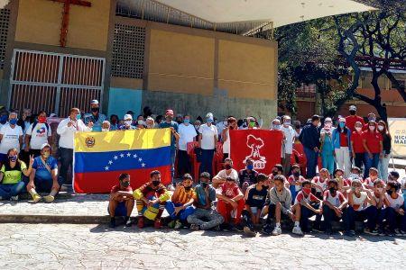 Instituciones del Gobierno llevaron alegría a adultos mayores y semillero de la parroquia La Vega