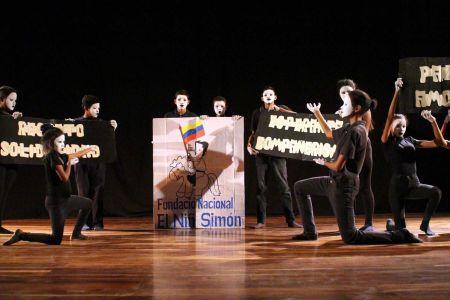 """Casas de los Niños de la Fundación Nacional El Niño Simón del Distrito Capital participan en el """"Encuentro de Teatro Niño Simón"""""""
