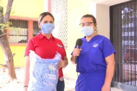 Madres colaboradoras de la Frns Lara confeccionan mascarillas para hospitales