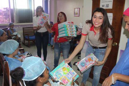 Gracias a la Revolución Bolivariana pacientes pediátricos celebraron la Navidad con El Niño Simón