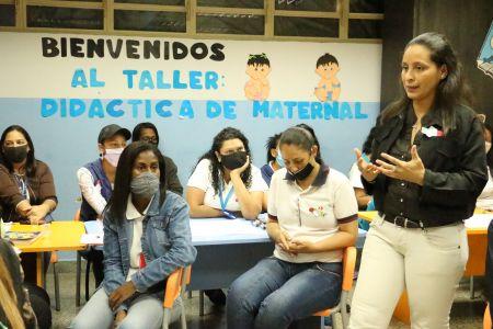 """Docentes de los CEI del Ivss participaron en el Taller """"Didáctica de Maternal"""""""