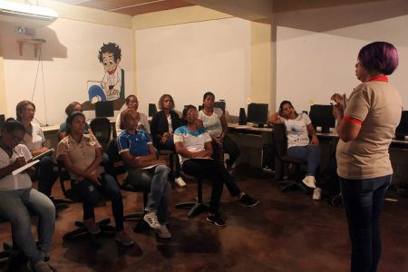 """Programa """"El Niño Simón Te Visita"""" atiende a personal y estudiantes del C.E Inmaculada Concepción"""