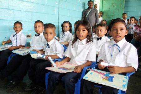 """Inician graduaciones en los preescolares """"El Niño Simón"""" Guárico"""