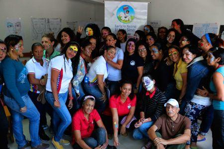Fundación Nacional El Niño Simón imparte taller de maquillaje artístico a servidores y servidoras