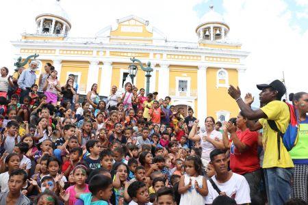 Ministerio del Poder Popular para el Despacho de la Presidencia llevó la alegría de la navidad a los niños y niñas de La Pastora
